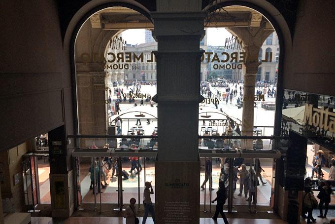Mercato del Duomo A Place in Milan