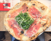 Da Michele I Condurro, la pizza napoletana arriva a Porta Romana