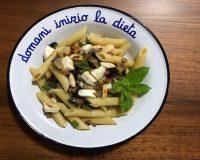 #ConoscoUnaSchiscia: la ricetta della pasta fredda con melanzane, menta e mozzarella