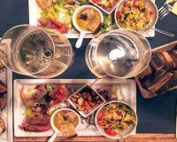 10 aperitivi a Milano per bere e mangiare bene
