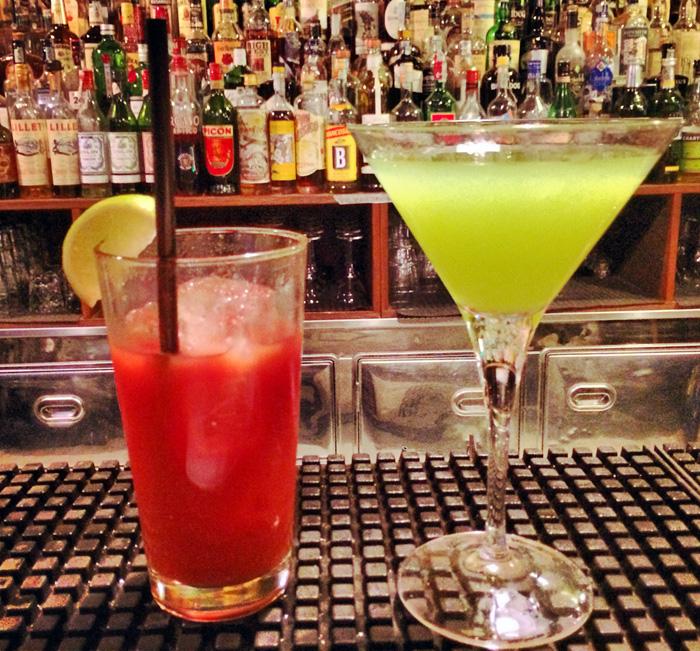 Due cocktail sul bancone di Lacerba | © Caterina Zanzi