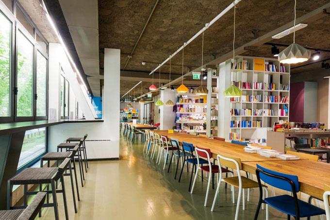 Open Space Ufficio Milano : Bellissimi bar con coworking a milano conosco un posto