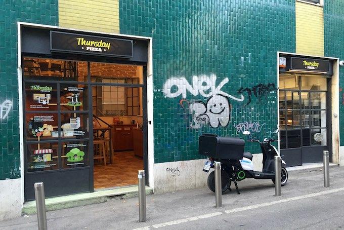 Nuova pizzeria in zona tortona come si mangia da thursday for Zona tortona milano