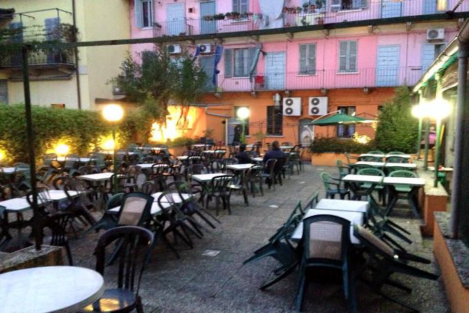 Frizzi e Lazzi Bere Comitiva Milano